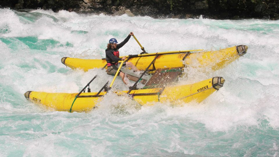 Ryan rowing Mundaca Rapid on the Futalafu River in Chile